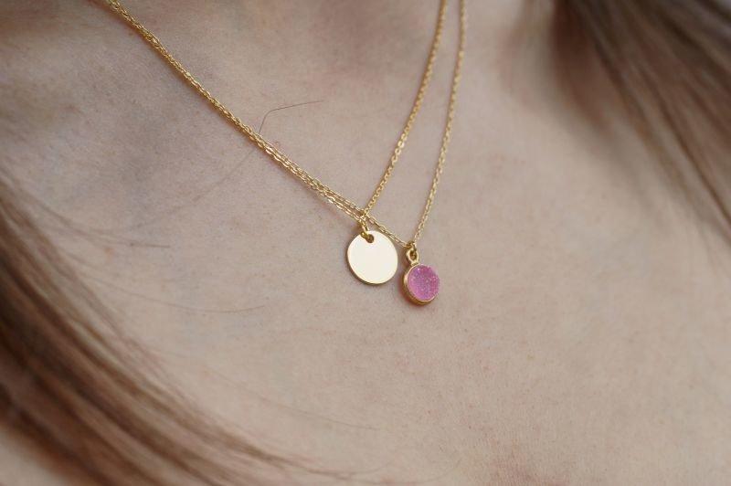 Naszyjnik pozłacany z naturalnym różowym agatem