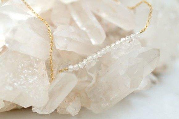 KWIECIEŃ - naszyjnik pozłacany z kryształem górskim
